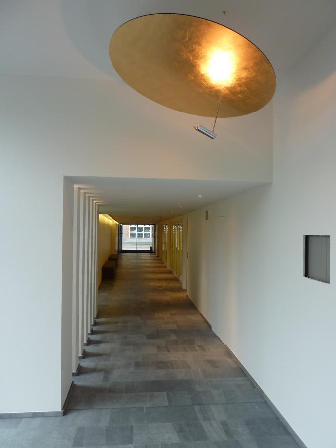 Aula voor uitvaartplechtigheden te geel architect herman boonen te geel - Oostelijk licht ...
